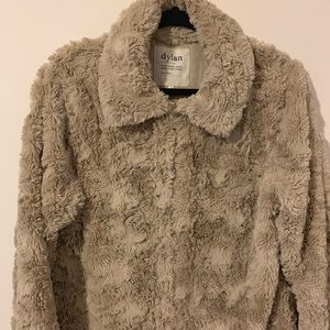 Dylan faux fur luxury coat  size M cream